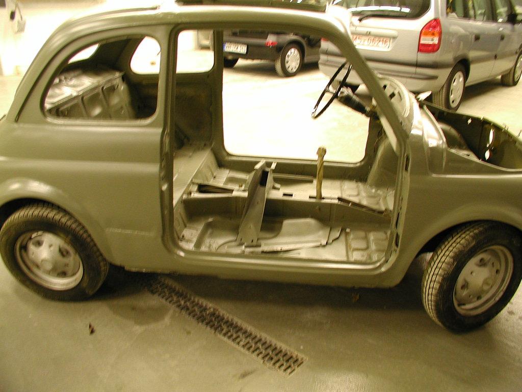 Umbau 2003, kpl. abgeschmiergelt und in Kunststofflack zur lackierung vorbereitet